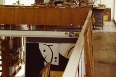 Image 4 de 12: Atelier de Joan Miró à Palma de Majorque- 1987 ...Béatrice est dans le fond en train de lire les livres de Pilar Miró